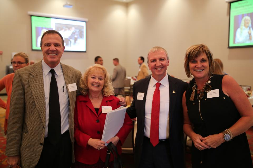 Mike Lightfoot, Donna and Dr. Thacker and Jacci Lightfoot
